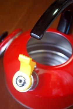 画像2: 笛吹きやかん アルミ赤色